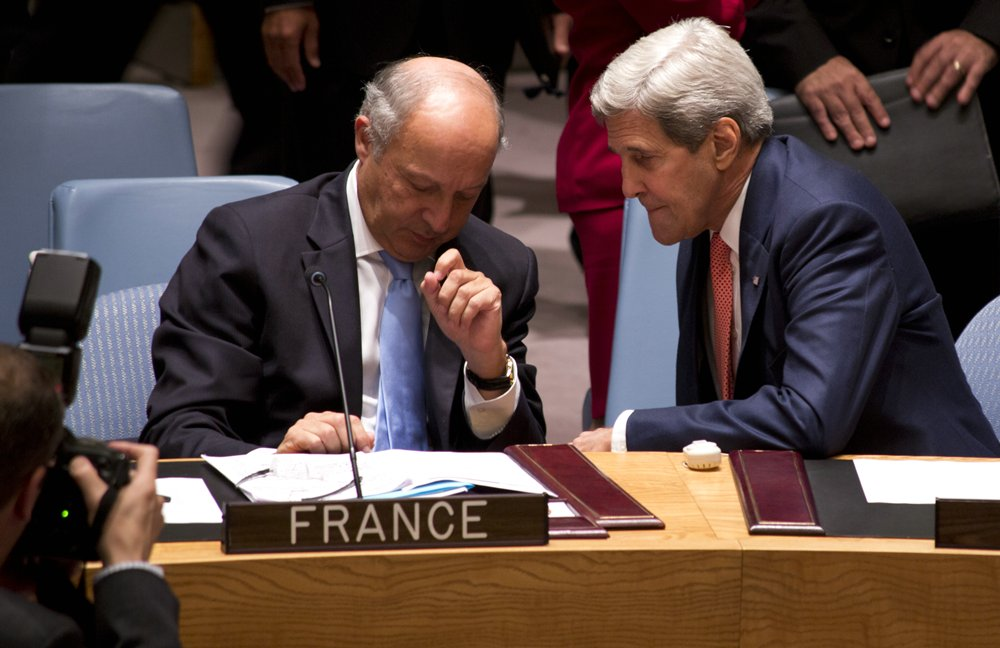 _John-Kerry_Laurent-Fabius__56_Politics__rs