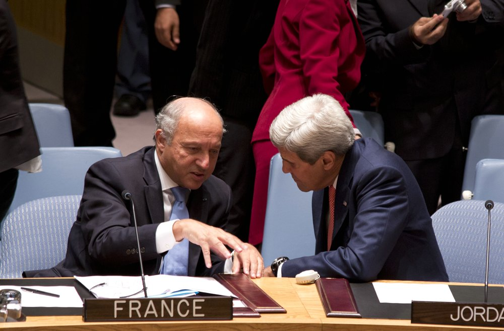 _John-Kerry_Laurent-Fabius_900_Politics__rs