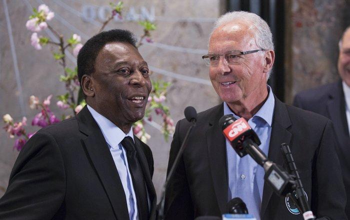 Cosmos Ex- Soccer Players Pele and Franz Beckenbauer Light the Empire State Building