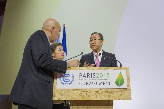 Secretary-General Ban Ki-moon and Ms Figures tour Le Bourget with UNFCCC Chief of Protocol, ahead of the COP21 opening session