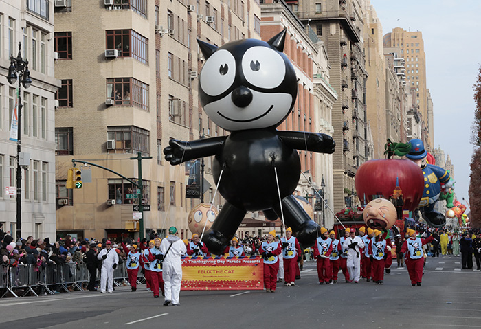 Central Park West, New York, USA, November 24 2016 - Felix the Cat during the 90th Macys Thanksgiving Day Parade today in New York City.  Photo: Luiz Rampelotto/EuropaNewswire